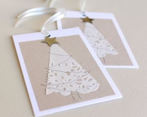 Tarjetas decoradas con blondas de papel