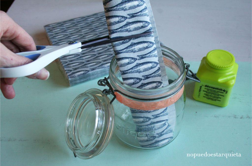 Tarro de cristal decorado con decoupage. Peces. Marinero. Cuerda. Servilleta. DIY.