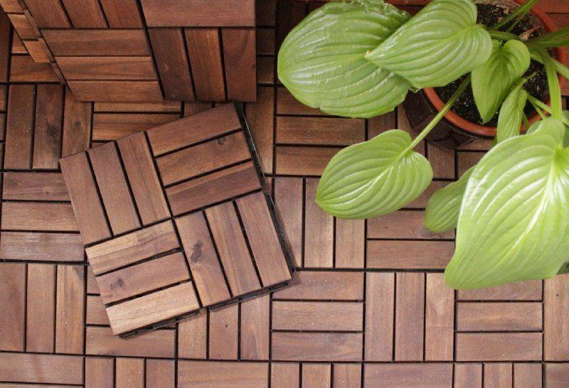 Decorar terrazas pequeñas suelo madera ikea